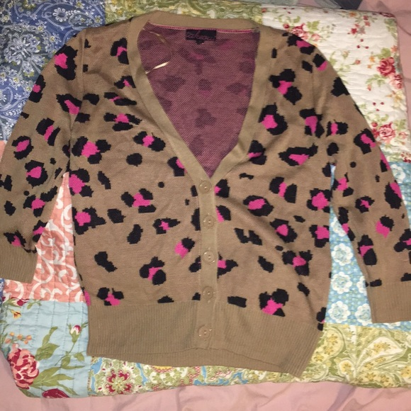 Takeout Sweaters - Leopard print button up cardigan!! Small!